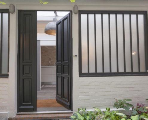 Porte d'entrée en deux vantaux