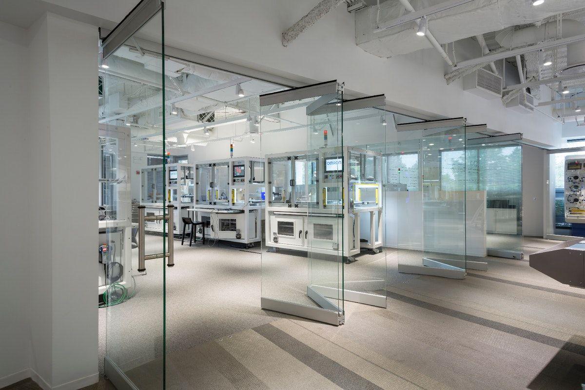 Cloison intérieure en verre amovible
