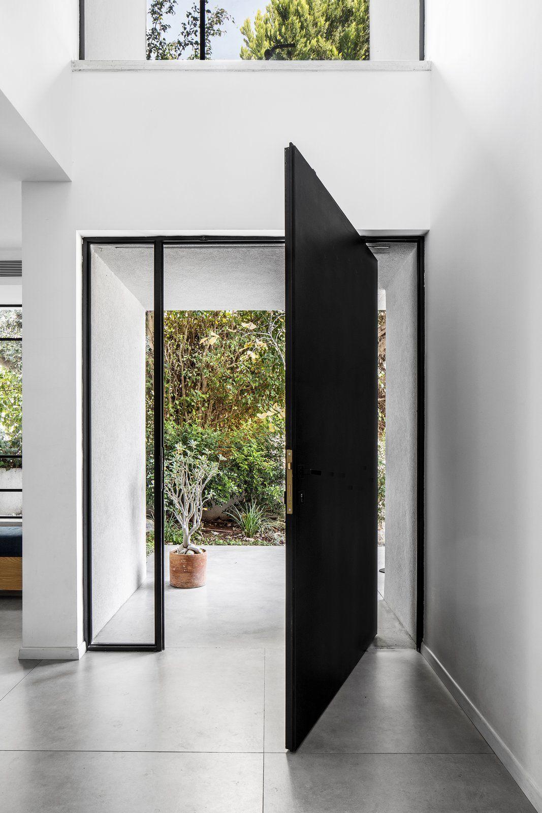 Une image contenant plancher, intérieur, bâtiment  Description générée automatiquement